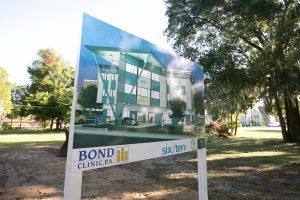 bond_ribboncutting102016_0003